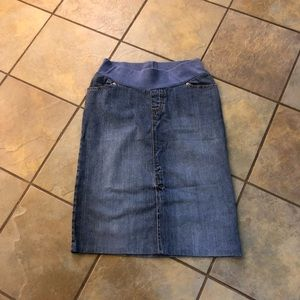 Old navy maternity blue jean skirt size small